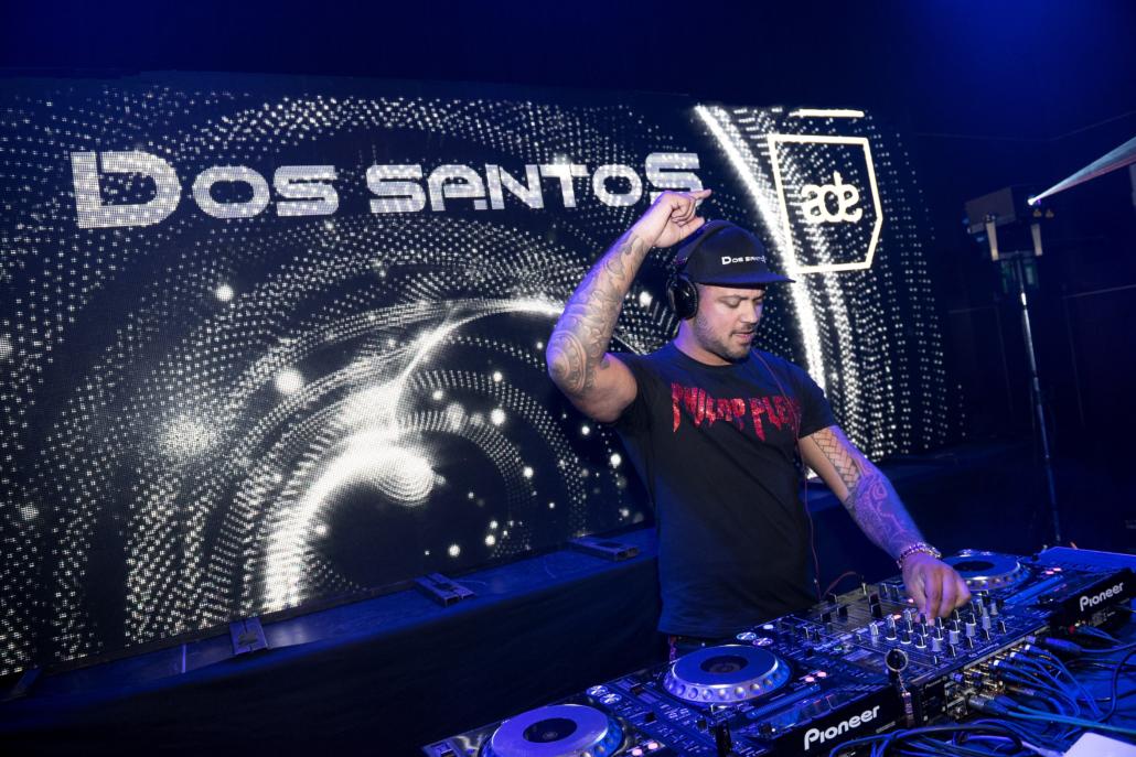 DJ PLUS OPTREDEN