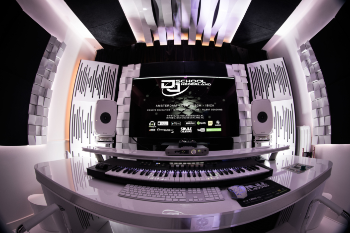 MUSIC STUDIO, DJ SCHOOL NEDERLAND